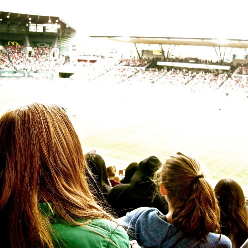 Portland Thorns FC: women finally get women's pro soccer again! MomsicleBlog